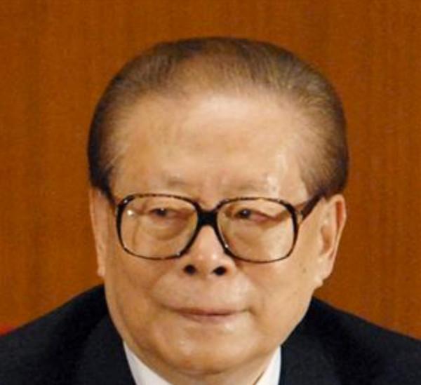不自然な江沢民の頭髪