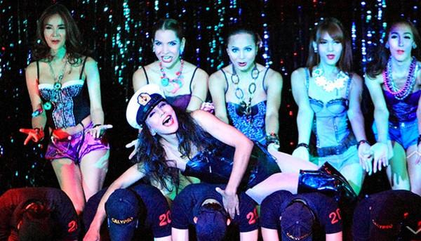 タイのニューハーフショー