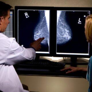 意味がないと思われがちなマンモグラフィ検診ですが乳がんの死亡リスクを28%減少させているという報告