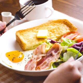 朝食を抜くのは本当に不健康なのか検証