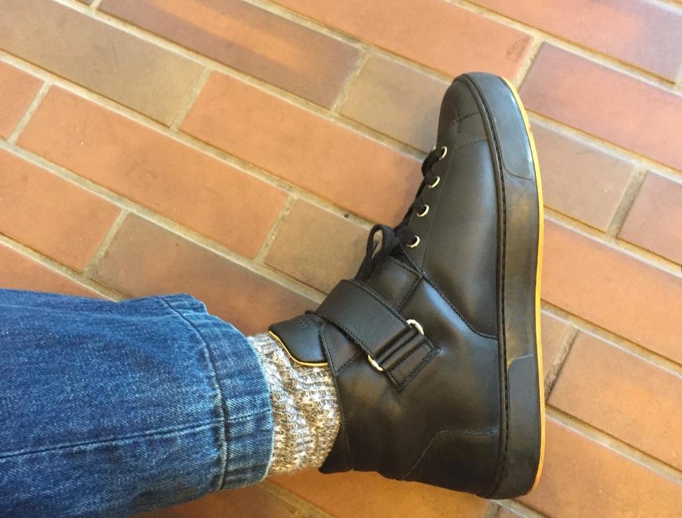 冷えとり用靴下を履いてぶかぶかのスニーカーを履いてみた